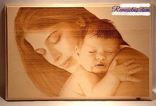 Fotografie - Gravírovaná fotka v lipovom dreve formát 30 x 45 cm - 9003249_