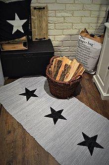 Úžitkový textil - Koberec s čiernymi hviezdami - 9002312_