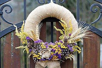 Dekorácie - Venček zo sušených kvetov - 9004136_