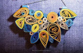 Náhrdelníky - Quilling náhrdelník v teplo studených farbách - 9003993_