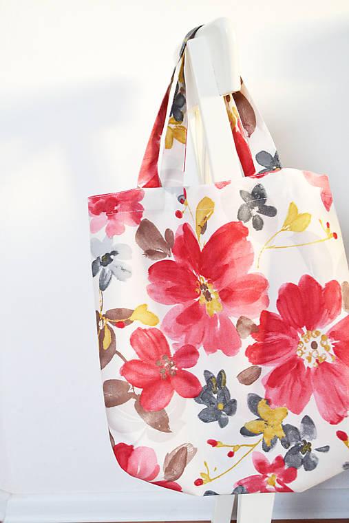 Nákupná kvetovaná taška