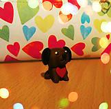 Dekorácie - Zamilovaný psík (FIMO figúrka) - 9009433_
