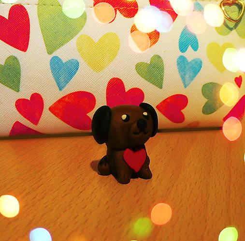 Zamilovaný psík (FIMO figúrka)