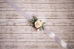 Náramky - Kvetinový náramok pre družičky - 9015094_
