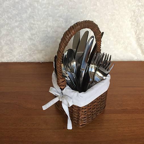 271e3eca4 Pletený košík na príbor (Hnedá - vanilkový lusk) / 2cats - SAShE.sk ...