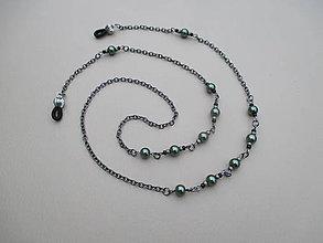 Iné šperky - Retiazka na okuliare z bižutérneho kovu so zelenými perlami - 9018711_