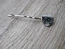 Ozdoby do vlasov - Čierno biele čipkované srdiečko sponka 1 ks, č1686 - 9017294_