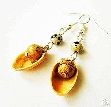 Náušnice - Handmade recyklované náušnice z pistácií s jaspisom - 9023744_