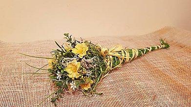 Dekorácie - kytička žltá v kornútku nielen pre pani učiteľku - 9020287_