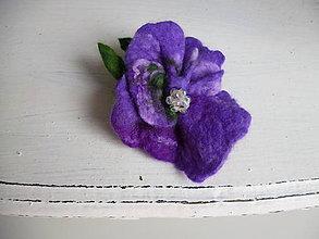 Odznaky/Brošne - plstená brošňa - iris - 9022947_