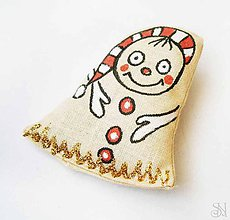 Odznaky/Brošne - Textilná handmade brošňa škriatok - 9024696_