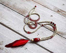 Náhrdelníky - Boho náhrdelník červené pierko - 9024808_
