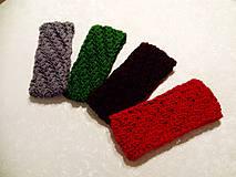 Šedá, Zelená, Hnedá, Červená čelenka