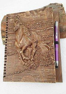 Nezaradené - Zápisník (drevorezba kôň) formátu A5 - 9031286_