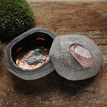 Krabičky - RAKU dóza kameň s minerálom / Krabička na prsteň - 9031509_