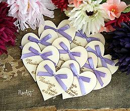 Darčeky pre svadobčanov - Svadobné magnetky srdiečko s mašličkou fialovou - 9029639_