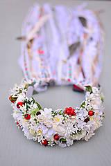 - Svadobný boho venček s kvetinami, stuhami a perím - 9030120_