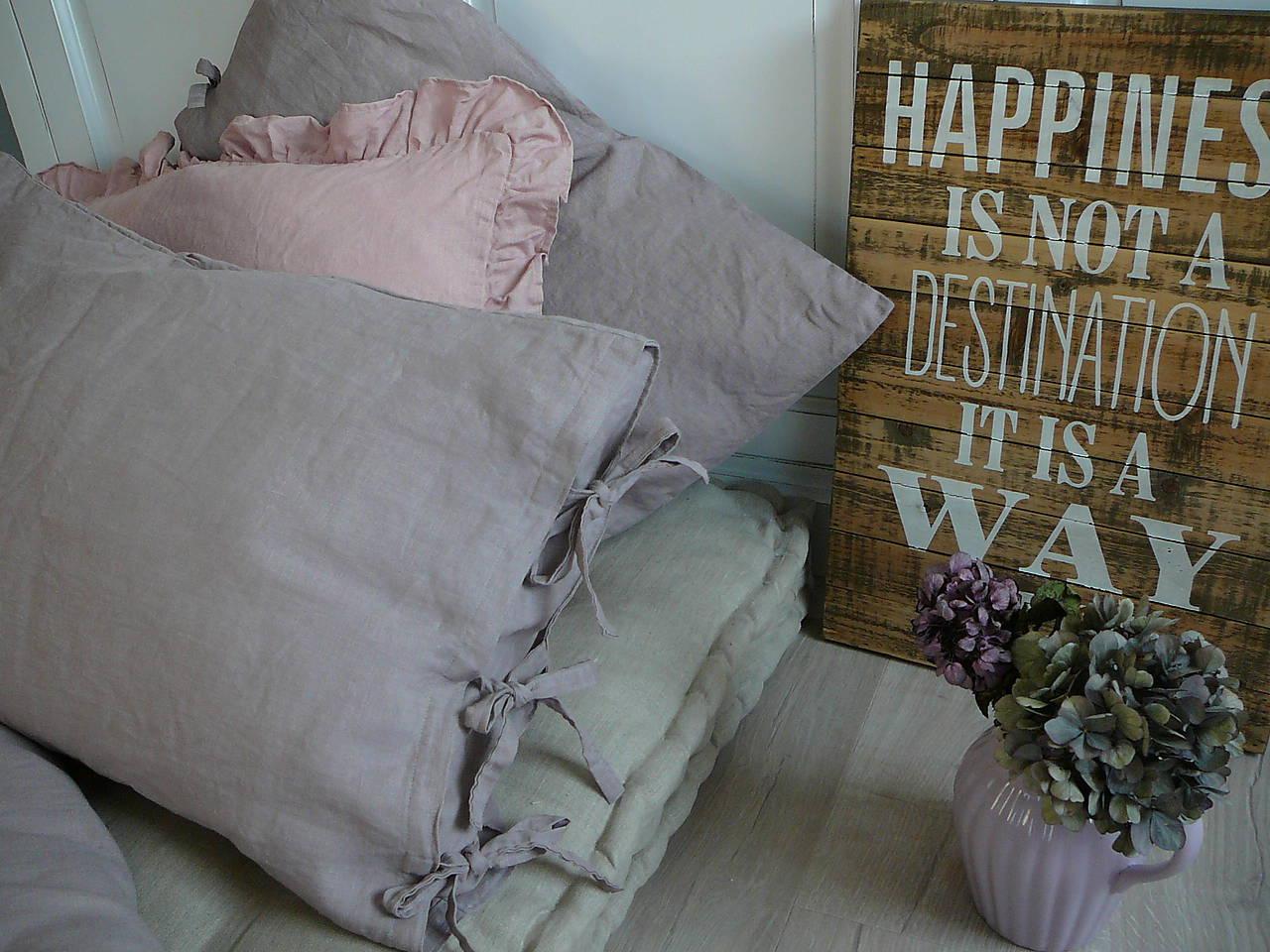 nov ln n povle en gris lavande handmade itkov textil. Black Bedroom Furniture Sets. Home Design Ideas