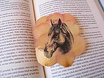 Papiernictvo - Záložka : Kôň na lístkoch.  - 9034729_