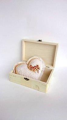 Dekorácie - Srdce vyšívané nielen na Valentína - žltohnedé menšie - 9039807_