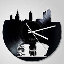Hodiny - Banská Bystrica, abstrakcia - vinylové hodiny (vinyl clocks) - 9037407_