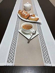 Úžitkový textil - Štóla s krajkou v prírodných odtieňoch - 9040430_