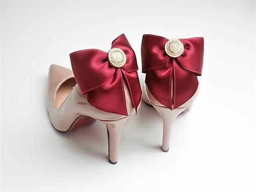 278b899b29 Klipy na topánky - bordové mašle so zlatým gombíkom (plný zlatý gombík)