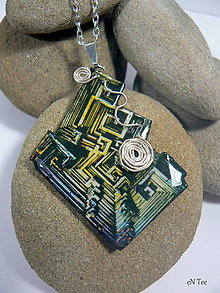 Náhrdelníky - Bismuth 2. - prívesok s retiazkou - 9039364_