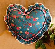 Úžitkový textil - Romantický vankúš srdce s volánom (Tyrkysová) - 9037484_