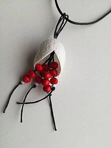Náhrdelníky - Červený náhrdelníček s hodvábnym kokónom - 9043778_