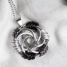 Náhrdelníky - Přívěsek Vír (čierno-bielý) - 9045314_
