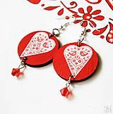Náušnice - Červené folklórne visiace náušnice - kruhy so srdcami - 9044900_