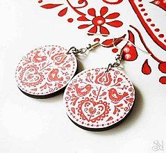 Náušnice - Červené folklórne visiace náušnice - kruhy - 9044783_