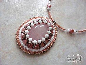 Náhrdelníky - Elise - ruženín, bead embroidery - 9045676_