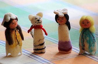 Hračky - Prstové maňušky. Tri víly a mačička urobené z plsti. - 9041952_