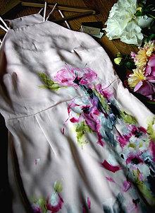 Šaty - Ručne maľované bledučko ružové šaty - 9041819_