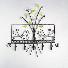 Nábytok - vešiak so stromom a vtáčikmi - 9046398_
