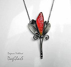 Náhrdelníky - Cínový šperk so sklom - Tulipán - 9047463_
