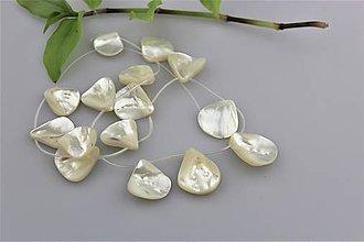 Minerály - Korálky perleť - lupienky - cena za 3ks - 9052074_