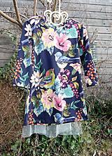 Detské oblečenie - Šaty s vlečkou - kvetované - 9054148_