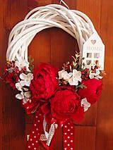 - Červený vintage veniec s domčekom 33 cm - 9051823_