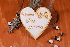 Darčeky pre svadobčanov - Svadobná magnetka drevená gravírovaná 134 - 9051377_