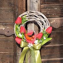 Dekorácie - Veľkonočný venček na dvere - 9058635_