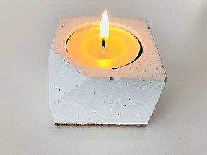 Svietidlá a sviečky - Betónový svietnik - Cube S (Biela) - 9056219_