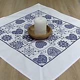 Úžitkový textil - Modro biely srdiečkový - obrus štvorec - 9058389_