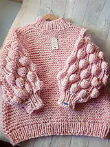 Svetre - Oversized sveter so stojačikom s bublinovými rukávmi, akryl - 9061478_
