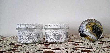 Svietidlá a sviečky - recy svietniky so striebornymi doplnkami - 9059564_