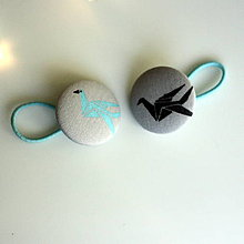 Detské doplnky - Gumičky do vlasov s buttonkami Origami žeriavy - 9062066_