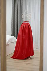 Spoločenská sukňa vpredu kratšia