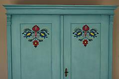Nábytok - Folklórna skriňa - 9062546_